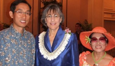 Rev. Joshua Hong with Hawaii State Governor, Linda Lingle